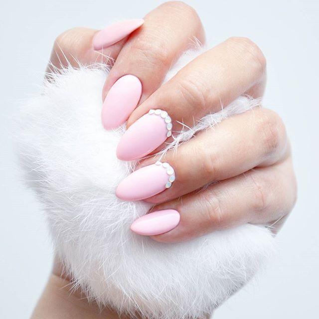 Różowo mi!  Połączenie lakieru hybrydowego z letniej kolekcji @indigonails by Natalia Siwiec z moimi ulubionymi kryształami Swarovskiego jest IDEALNE!  A Wam jak się podoba? #indigo #indigonails #indigonailslab #hybrid #hybridnails #hybridmanicure #manicure #nailart #nailswag #nailstagram #nailoftheday #hybryda #hybrydowe #blog #blogerka #blogger #bbloggers #bbloger #bblog #beauty #uroda #beautyblogger #pielegnacja #care #swarovski #blondhairdontcare Więcej moich stylizacji znajdziecie ...