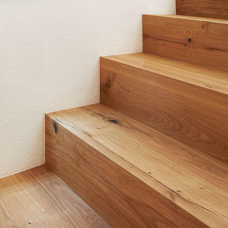 ArtNr. 38000 Treppenkantenprofil 3-Schicht fortlaufend. Unser Treppen-Sortiment bietet viele exklusive und funktionelle Lösungen für alle Arten von Stiegen. In Manufakturarbeit fertigen wir hochwertige Stiegenelemente ganz nach Ihren individuellen Vorstellungen. Zu einer der beliebtesten Treppenprodukte gehört das Treppenkantenprofil fortlaufend, welches zur waag- & senkrechten Verkleidung von Stufen geeignet ist und aus Ihrem Original-Parkettboden nach Maß gefertigt wird. #treppe #parkett…