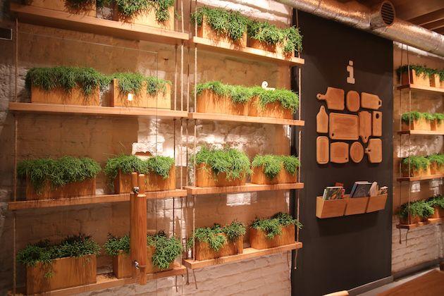 O restaurante chamado Simple foi pensado com foco na sustentabilidade e simplicidade, como o próprio nome já sugere