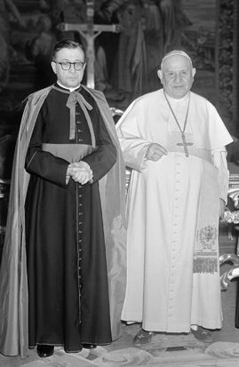 Pope St. John XXIII recieved St Josemaria Escriva for an audience on March 5, 1960.