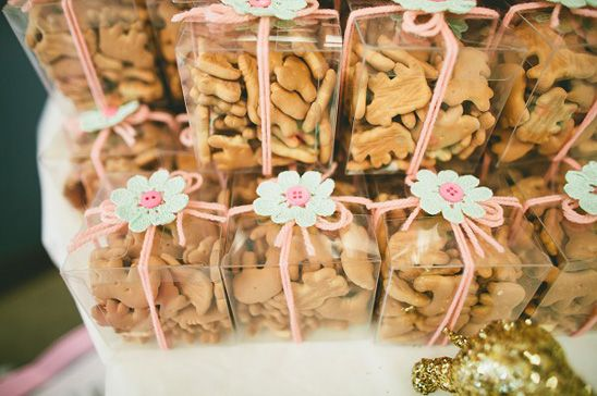 Animal Crackers Favor Bag - Ideas by Beau-coup
