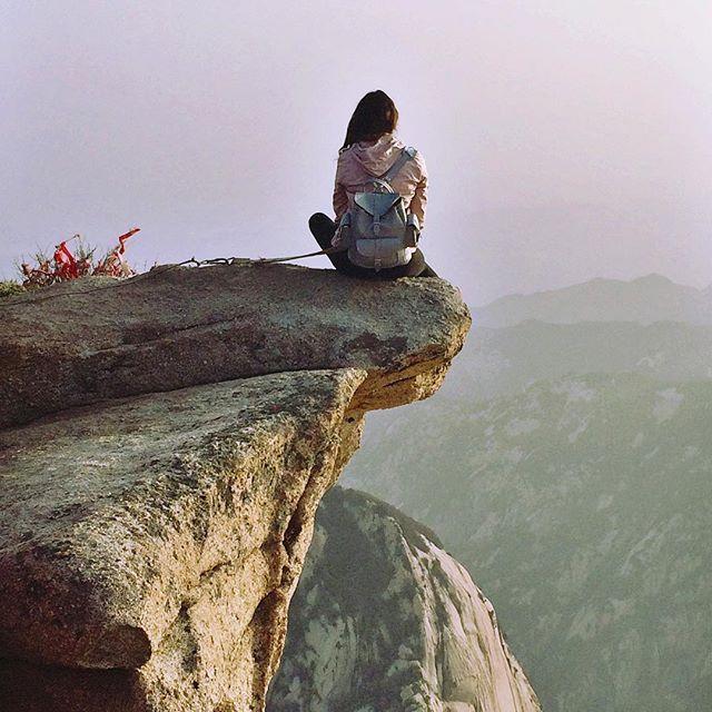 è tempo di avventura con @grafea #zainetto #pelle #avventura #montagna #paesaggio #viaggio #vacanza www.grafea.com