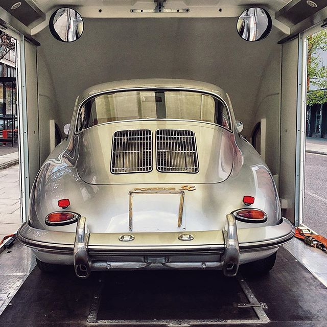 Here's one for our new Ridgeback chums @cafe_911 - beautiful 356 returning to storage. #jointheclubdrivethecars #classiccarclub #aircooled #porsche #porsche356