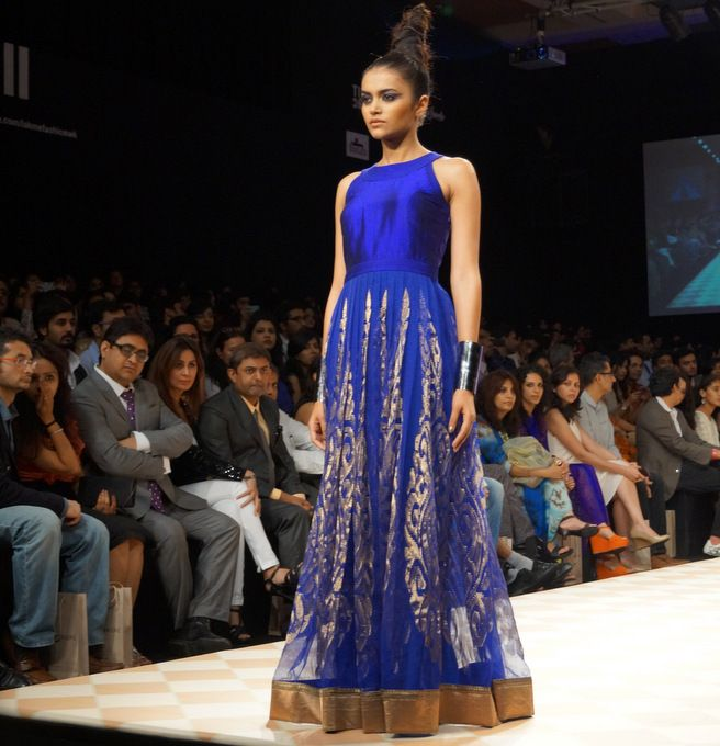 anita-dongre-2013-lakme-fashion-week-winter-festive-9.jpg (656×680)