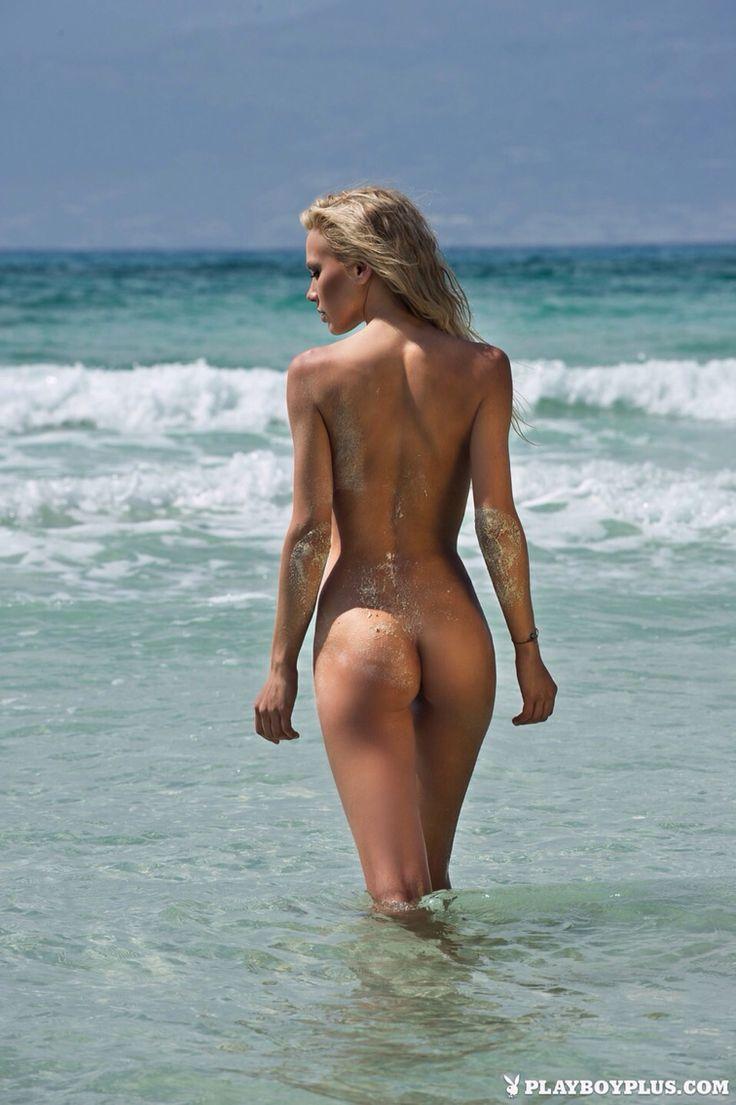 B…, Hot Babes Naked