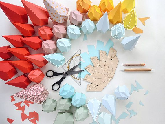Fold your own crystals and decorate in any style.  With this laser cut template made from birch triplex you can make as many crystals as you