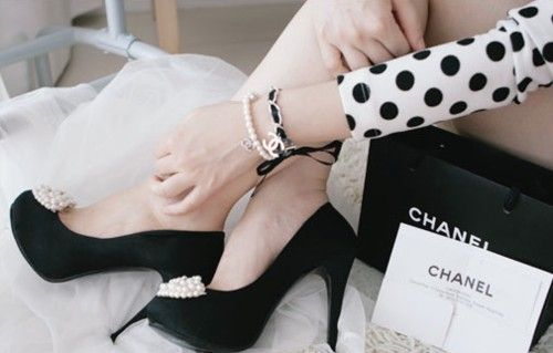 chanel, chanel, chanel!: Shoes, Coco Chanel, Fashion, Polka Dots, Style, Polkadot, Black And White, Heels