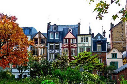 Rouen, Haute Normandie, France vue des jardins de l'hôtel de ville. rue des  Faulx-rue Saint Vivien