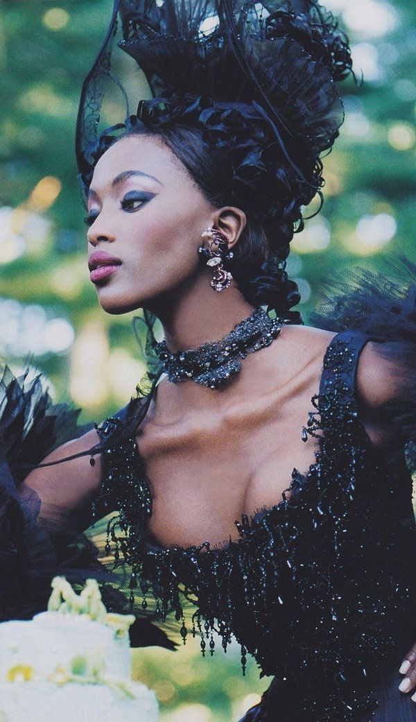 Naomi Campbell in Christian Lacroix Haute Couture.