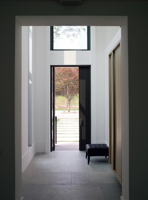 Beautiful entrance by Dutch designer Piet Boon.