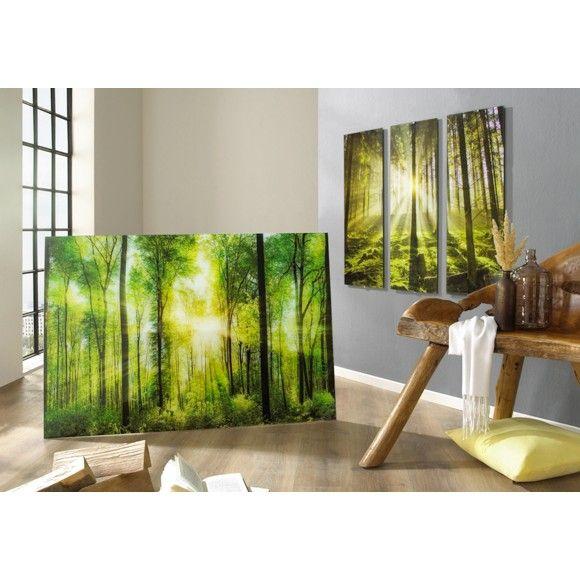 Ein einzigartiges Farbspiel bietet dir dieses wunderschöne Glasbild. Das Wohnaccessoire mit kräftigen Farben und Waldmotiv bringen die Ruhe der Natur in dein Zuhause.
