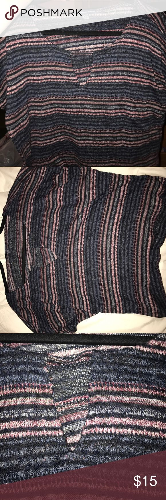 Loosely fitted tshirt Striped shirt from American eagle. Loosely fitted American Eagle Outfitters Tops