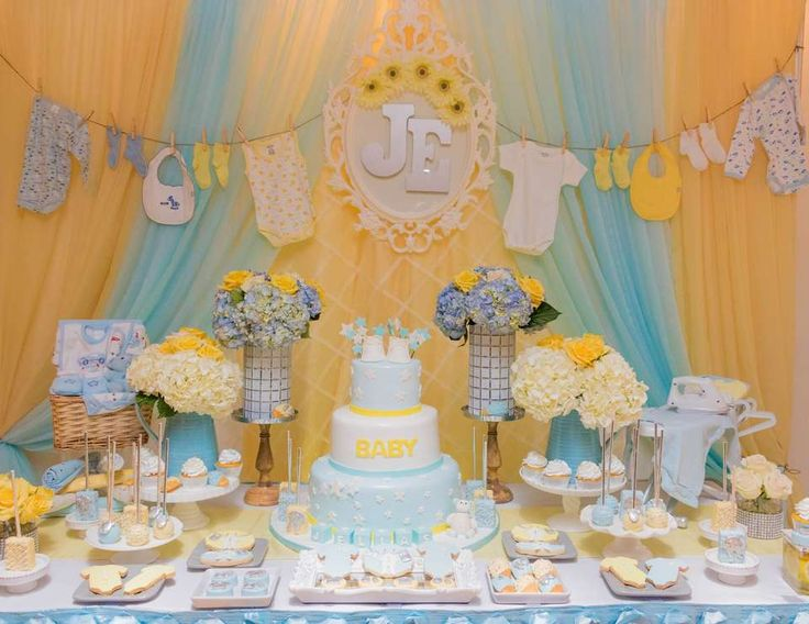 The 25 best baby shower clothesline ideas on pinterest for Baby clothesline decoration