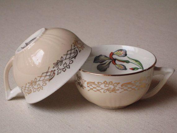 2 Tasses faïence Moulin des Loups Orchies motif Iris / Tasse ancienne crème décor fleur peinte / Shabby chic / Vintage France
