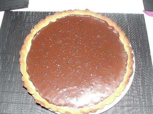 oeuf, pâte, chocolat noir, crème fraîche épaisse, sucre