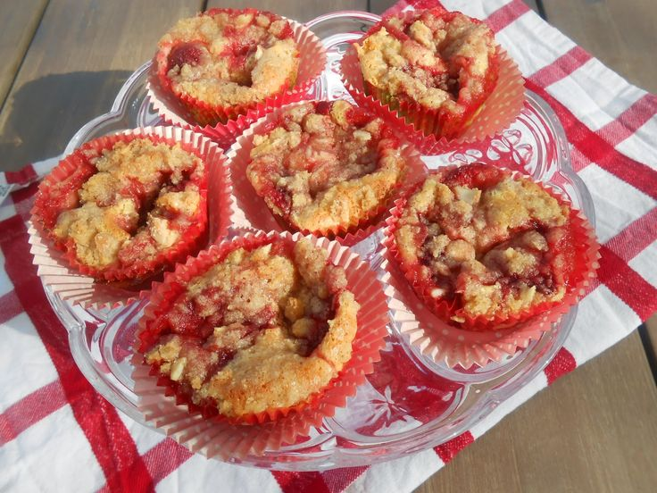 Tante Sød: Creme cheese jordbærmuffins med mandelcrumble