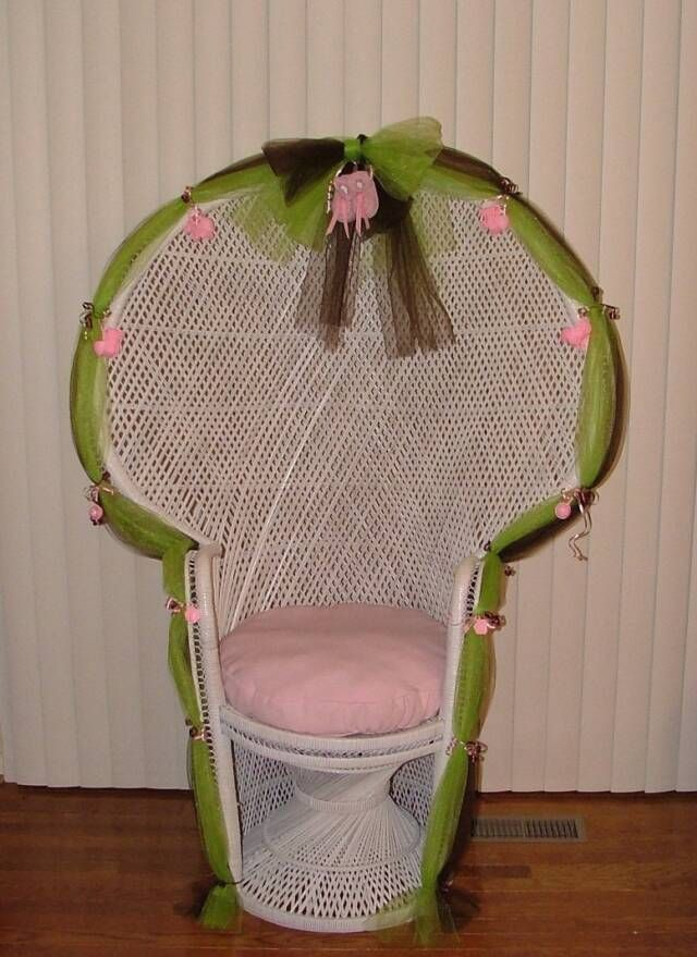 Decorating A Peacock Wicker Chair Of A Bridal Shower