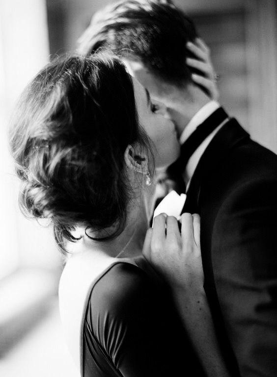 O amor não faz o mundo girar. O amor é o que faz o giro valer a pena. ♥♥