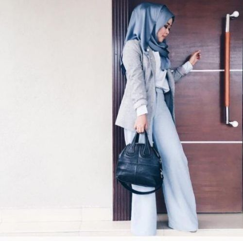 Ombre blue hijab with light blue pants and grey blazer - check out: Esma <3