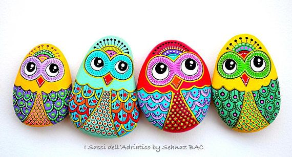 Hand Painted Stone Owl / Beach stone with hand-painted designs in acrylics © Sehnaz Bac 2017 I paint and draw all of my original designs by free hand with the small brushes or paint pens with extra fine tip. I use also different inks. No stencils are used. All designs are created