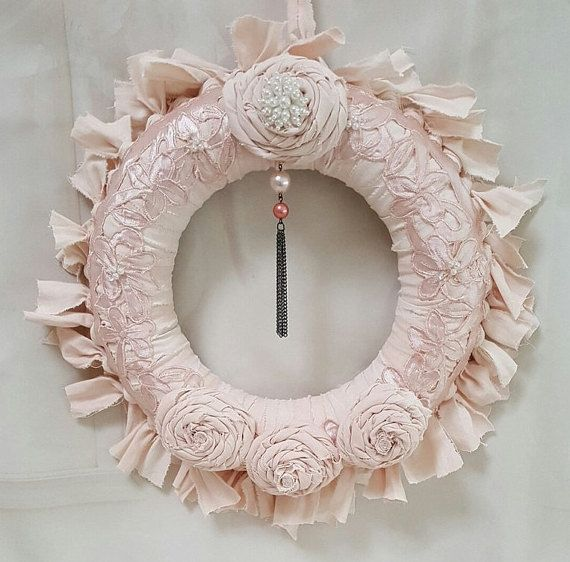 406 best images about wreaths shabby chic on pinterest for Couronne shabby chic