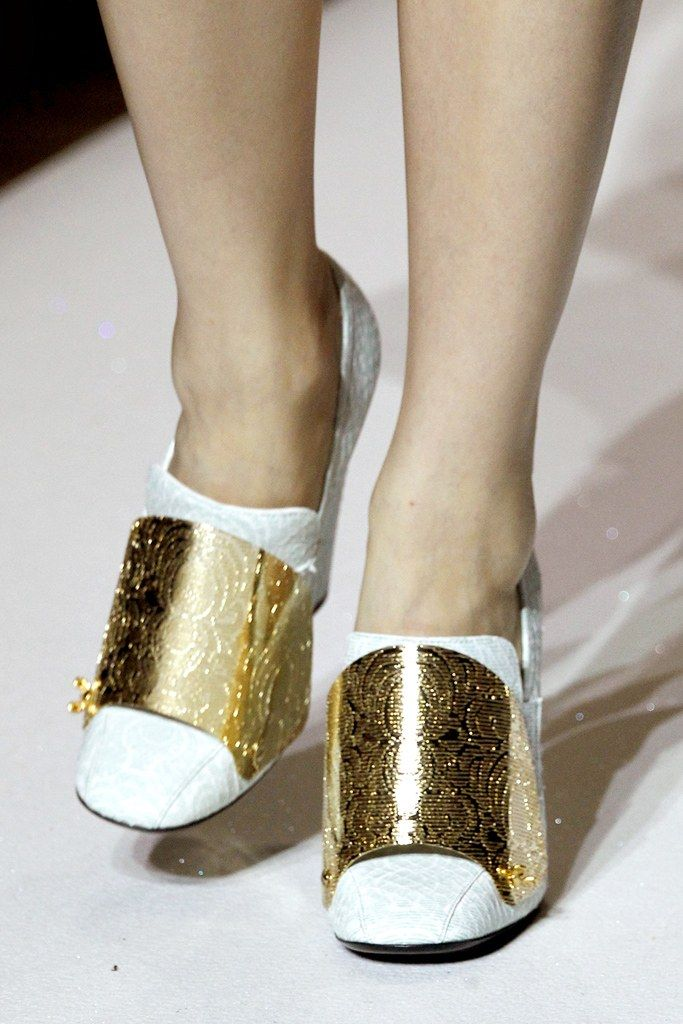 Saint Laurent Spring 2012 Ready to Wear Collection Photos   Vogue