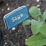 19 CREATIVE PLANT MARKERS TO MAKE:  Lots of clever ideas here for making labeled markers that can be used for both outdoors (in the garden) and indoors (for house plants). Many are quite inexpensive to make using simple supplies that you probably already have around the house, you'll find a few utilizing recycled items like soda cans, old spoons and vinyl blinds or smooth rocks right from the garden. Have fun!