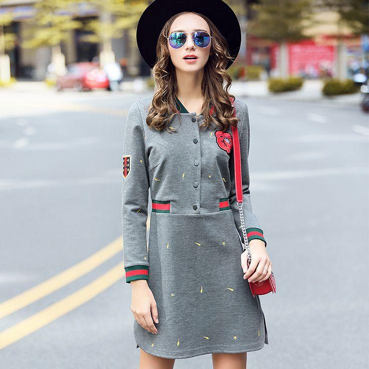 vestido corto gris bordado botón frontal de manga larga