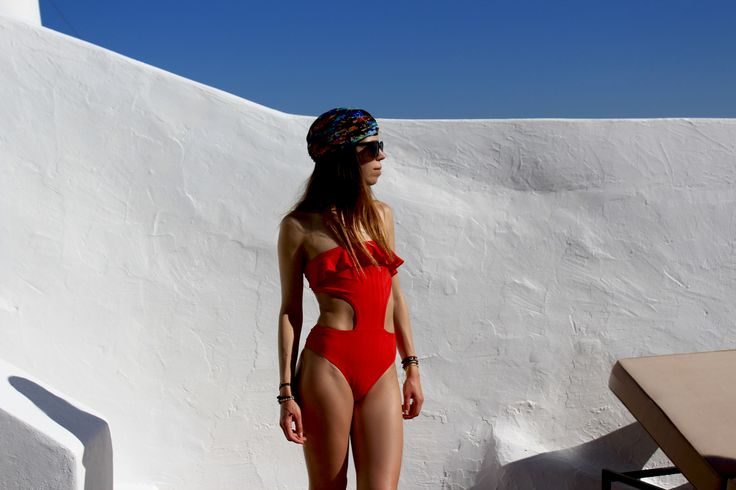 Summer Vibes in Santorini Greece || Mila one piece Swimsuit @mallorythelabel