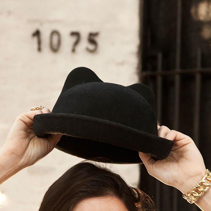 sombrero con orejas de gato