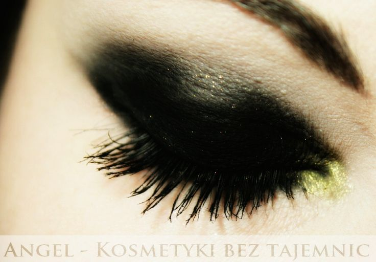 Sylwester 2013 - Klasyczne smoky eyes ze złotym akcentem