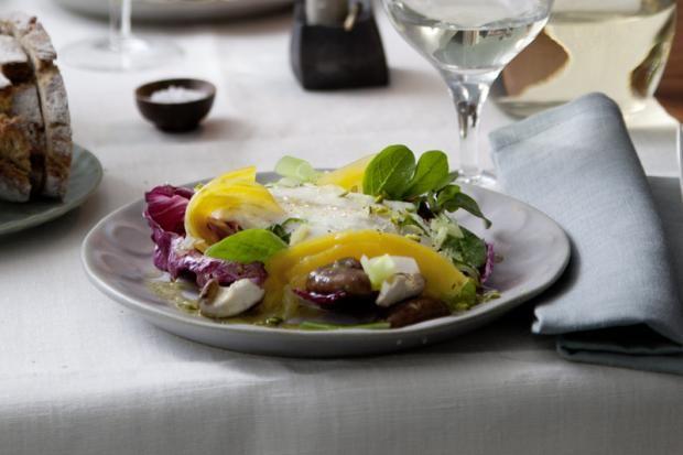 Warmer Shiitake-Salat mit Doradenfilet