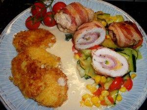 Cukkinis-sonkás pulykarolád színes zöldségekkel, burgonya-tallérral