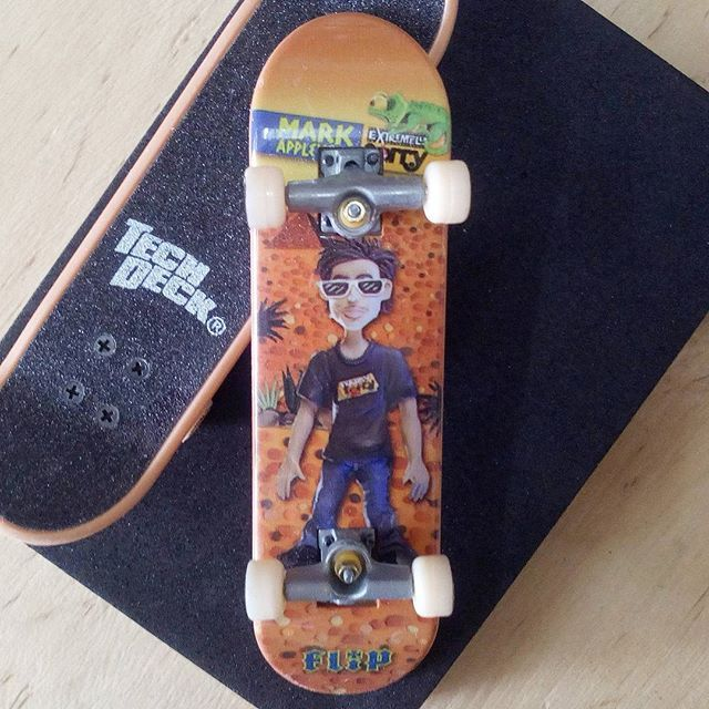 BRAND  FLIP SKATER  MARK APPLEYARD SERIES  STANDARD SERIES PRODUCT  96MM SINGLE PACKS * มีลายที่ล้อ * #techdeck #techdeckthailand #fingerboard #fingerboardthailand #toysthailand #toythailand #miniskate #flip #Markappleyard