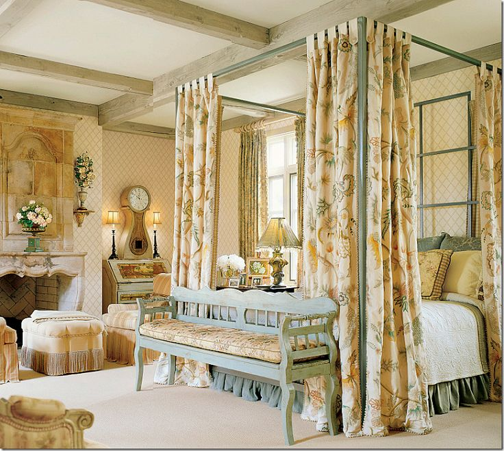 Fine Fabrics And Antique Furniture Define This Bedroom Crewel Bed Hangings From Chelsea Editions