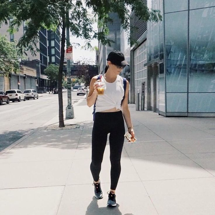 @bin_nycity sporting our Sol & Selene Cloud Nine backpack. Start the week off right #mondays #fitspo