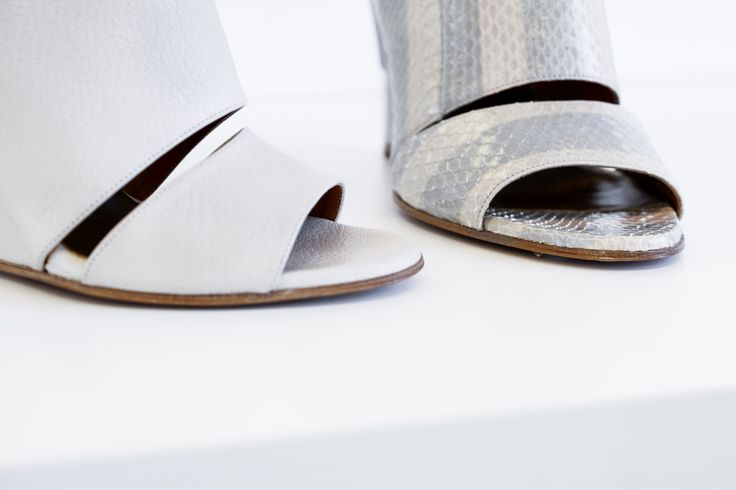 Chloé. Spring 2015. Today Clare Waight-Keller draws from its fluid curves and stark geometries to inform the Chloé SPRING 2015 collection, imbued with a delicate balance of light rawness and architectural finesse. #chloé #shoes #heels #peeptoe #spring #2015 #spring2015