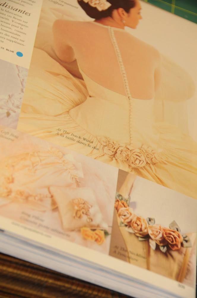 På www.papirgleder.no finner du det du trenger for å lage kort og invitasjoner til konfirmasjon, dåp, bryllup og bursdager! I tillegg har vi masse flotte tekstiler du kan sy quilt, homedecor, klær, gaver m.m. Velkommen innom! Vouge sewing pattern bridal dress :)