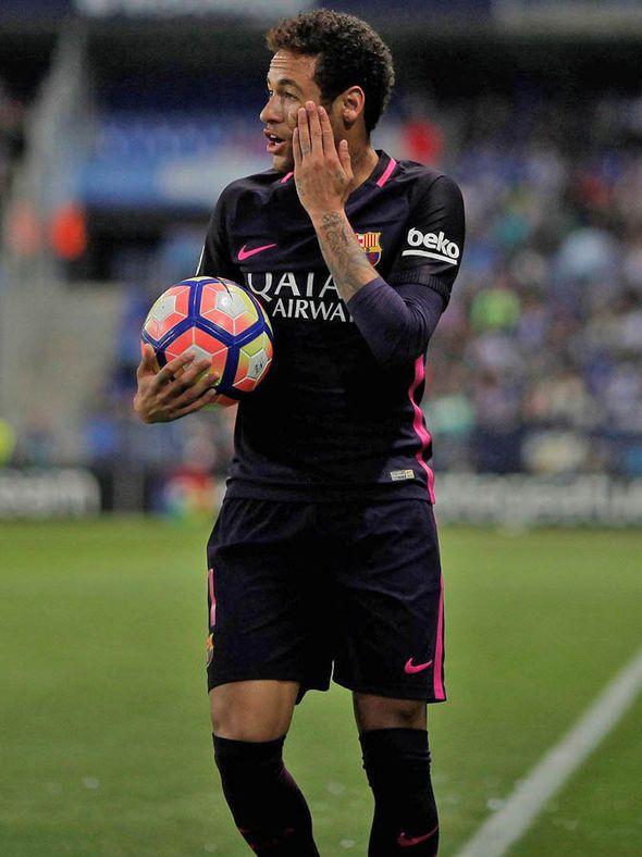 Neymar to PSG LIVE transfer updates: Medical done, Man Utd next move, West Ham regret - http://buzznews.co.uk/neymar-to-psg-live-transfer-updates-medical-done-man-utd-next-move-west-ham-regret -