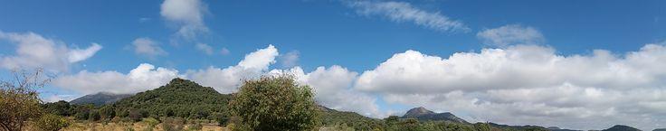 Sierra de San Vicente (Toledo) - Nubes blancas y cielos azul...