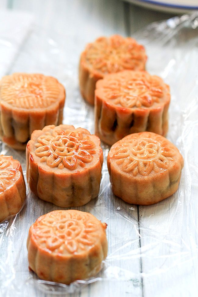 traditional Chinese mooncake with red bean paste as filling.