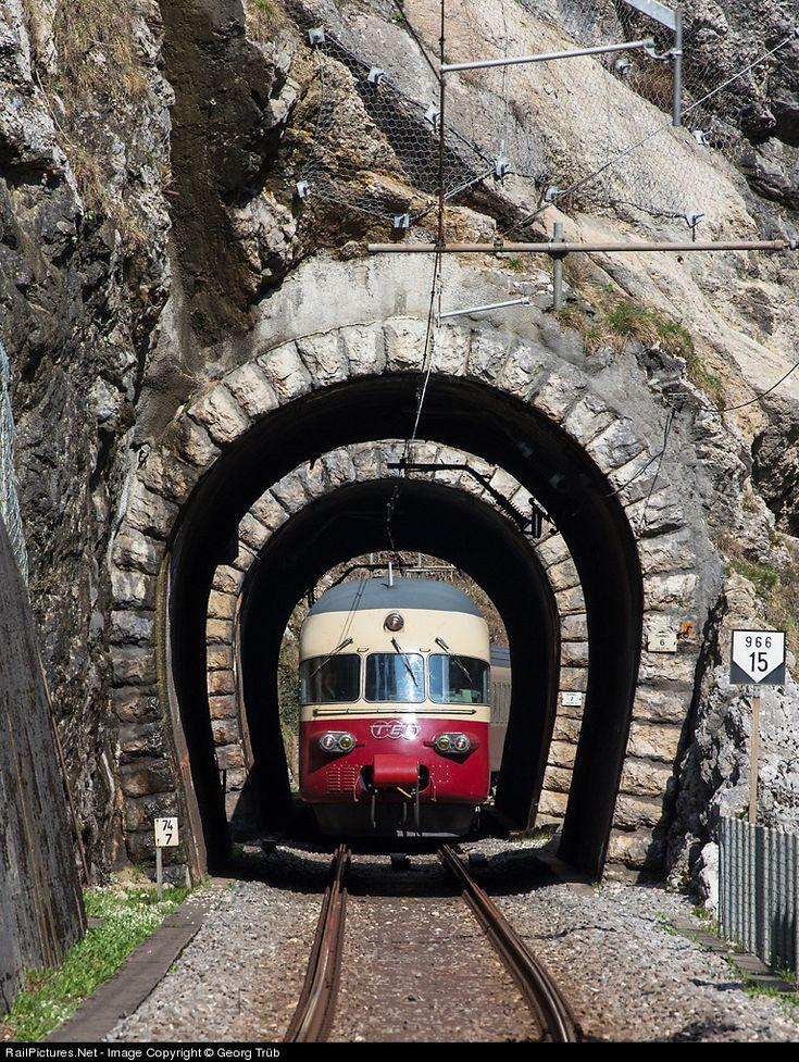 RailPictures.Net Foto: 1053 SBB Historic RAe TEE II in Moutier, Zwitserland door Georg Trüb