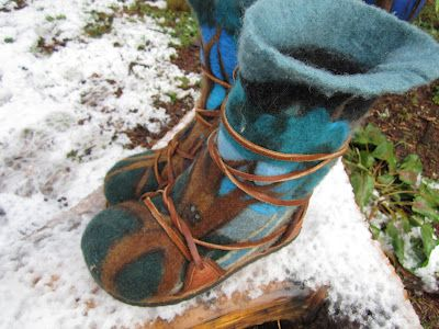 Mystic Orb: How to Make The Coolest Wool Boots Ever, Easily