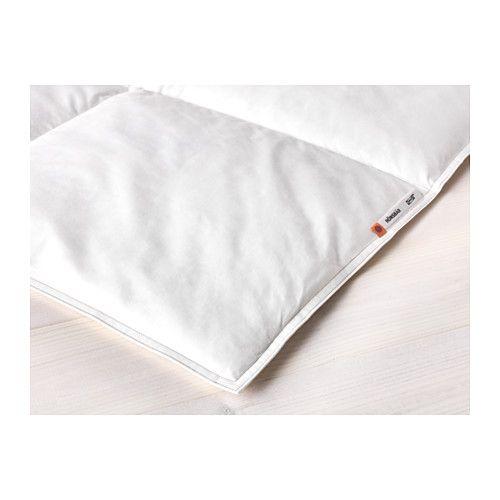 IKEA - HÖNSBÄR, Couette, chaude, Deux places/grand deux places, , Si vous n'avez ni trop chaud ni trop froid pendant votre sommeil, optez pour cette couette avec davantage de garnissage.La grande quantité de plumes contenues dans le garnissage absorbe et évacue l'humidité, pour un sommeil au sec toute la nuit.Le garnissage et la housse en coton respirent et permettent à l'air de circuler, procurant un environnement de sommeil sec à la température constante.La chaleur est…