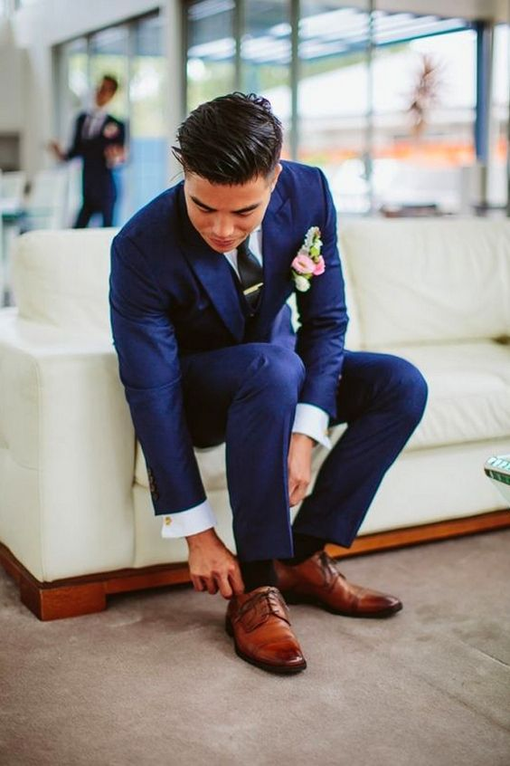 Navy Groom Suits  / http://www.himisspuff.com/groom-fashion-inspiration-45-groom-suit-ideas/3/