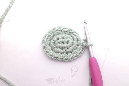 A tutorial for a crocheted oval. #crochet #tutorial # ...