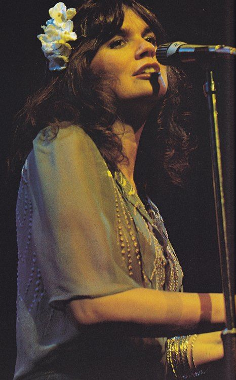 Linda Ronstadt | Selected for Rock and Roll Hall of Fame 2014 -- A powerful female singer.