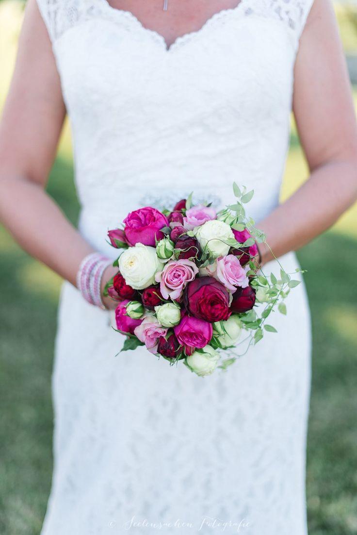 25 best ideas about brautstrau rosen rosa on pinterest rosa rosen bouquet hochzeitsblumen. Black Bedroom Furniture Sets. Home Design Ideas