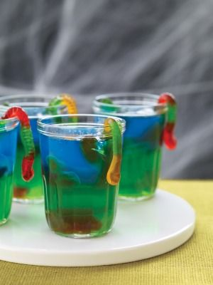 Slimy Halloween Jello Snacks: Jello Shots, Idea, Halloween Recipe, Halloween Snacks, Kids Party, Halloween Treats, Snacks Recipe, Halloween Party, Slimi Jell O'