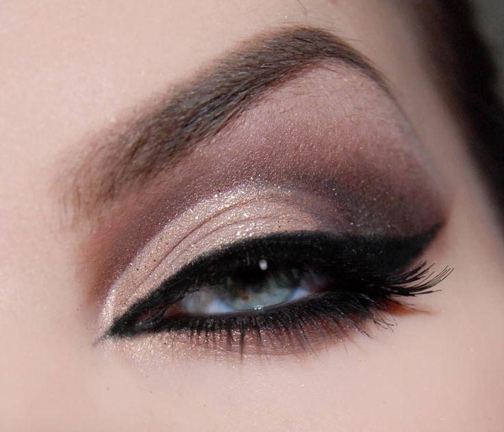 @makeupbyelina